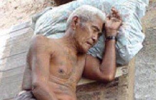 Tayland'ın Yüzde 15'i Yaşlı Ve Hasta