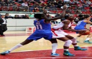 AGÜ Spor 71 - 63 Cb Avenida