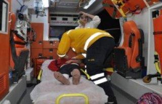 Adana'da Öğrenci Servisi Kaza Yaptı: 16 Yaralı