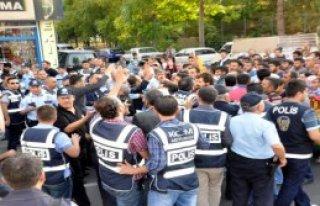 Adıyaman'da Işid Protestosunda Arbede