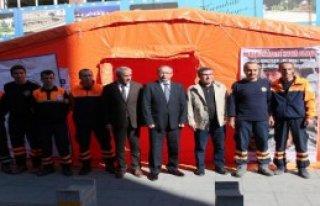 Afet Gönüllüsü Bulmak İçin Çadır Kurdular