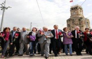 Antalya'da Kadınlar Yürüdü