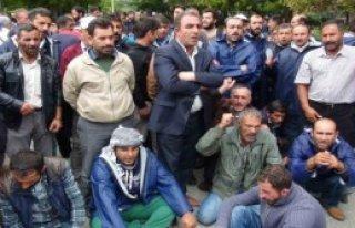 Davutoğlu İle Görüşmek İsteyen İşçilere Polis...