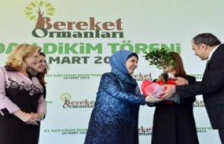 Emine Erdoğan Fidan Dikti