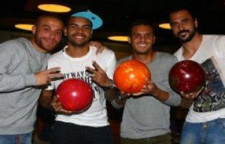 Beşiktaşlı Oyuncular Bowlingle Stres Attı
