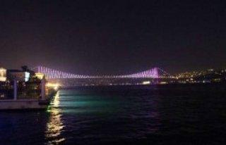Boğaziçi Köprüsü'nde 'Pembe' Mesaj