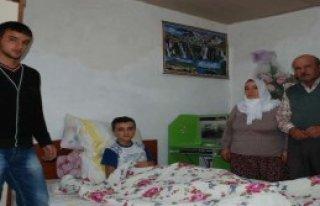 Cam Kemik Hastası İbrahim Yardım Bekliyor