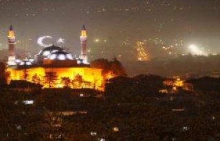Bursa'da Ay Yıldızlı Mahya