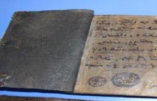 Tarihi El Yazması Kitap Ele Geçti