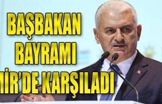 Başbakan Bayramı İzmir'de Karşıladı