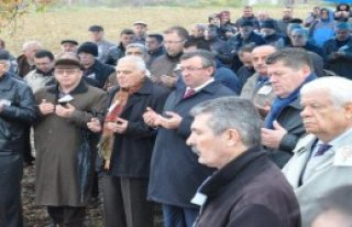 CHP'li Belovacılıklı Toprağa Verildi