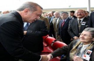 Devletin Zirvesi Güreş'in Cenazesinde Buluştu