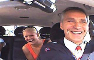 Norveç Başbakanı'nın Başı Dertte