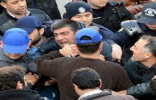 Diyarbakır'da 22 Sendikacıya Gözaltı