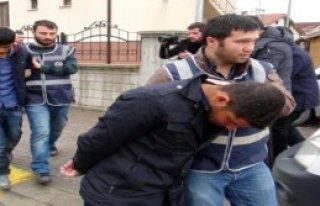 Dolandırıcı Sahte Polisler Yakalandı