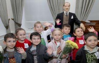 Miniklerin Atatürk Sevgisi