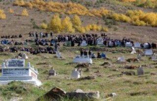 Kobani Mağduru Mert Toprağa Verildi