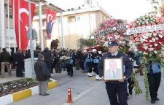 İzmir'de Eski Başkan Toprağa Verildi