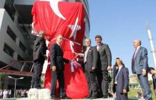 Atatürk'e Saldırmak Millete Saldırmaktır