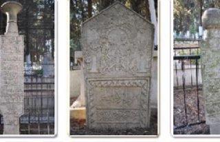 Osmanlı Dönemi Mezar Taşlarındaki Mesajlar Çözülecek