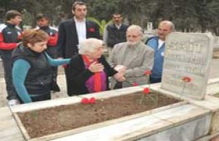 İzmir'in Sembol Futbolcusu Unutulmadı
