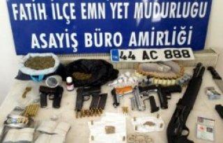 Fatih'te Uyuşturucu Operasyonu