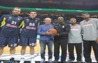 Fenerbahçe Ülker- San Antonıo Spurs