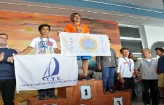 Foça'da Yelken Yarışları Nefes Kesti