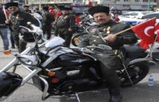 Gazileri Motosikletleriyle Gezdirdiler