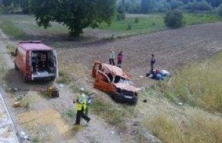 Gediz'de Kaza: 2 Ölü, 1 Yaralı