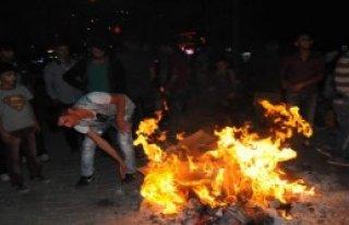 Hakkari'de Kobani İçin Oturma Eylemi