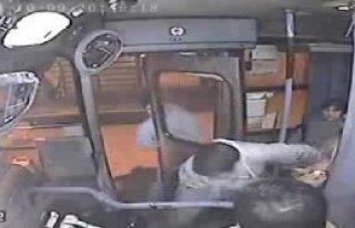 Hırsızlık Yaptığı Otobüste Sıkıştı Kaldı