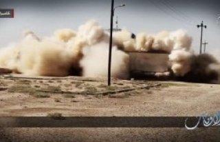 IŞİD Türbe ve Mezarları Yıktı