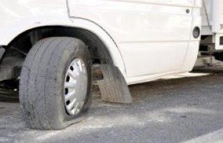 Isparta'da 14 Aracın Lastiği Kesildi