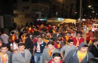 İzmir'de Derbi Sevinci