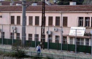 İzmit C Tipi Cezaevi Yıkım İçin Boşaltılıyor