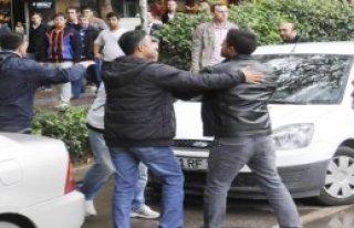 İzmit'te KESK'ten Gergin Kobani Yürüyüşü