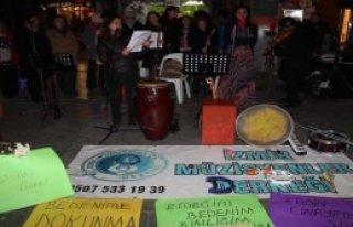 İzmirli Kadın Müzisyenlerden Eylem
