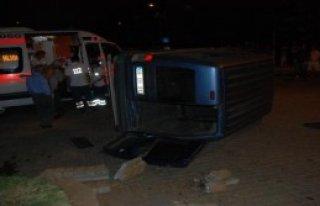 Kavşakta İki Otomobil Çarpıştı: 1 Yaralı