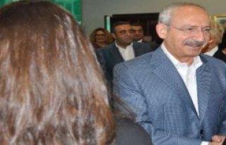 Kılıçdaroğlu, Kadın Vekillerle Bir Araya Geldi