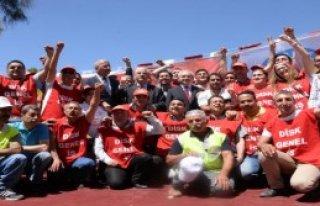 Kılıçdaroğlu, Şehit Evini Ziyaret Etti
