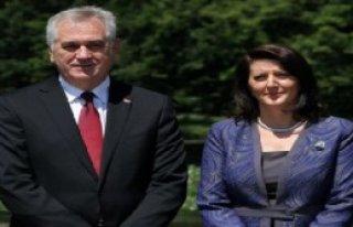 Kosova İçin Tarihi Davet