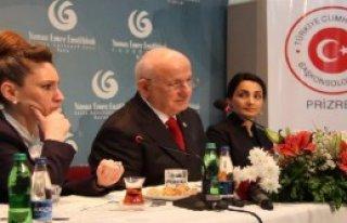 İsmail Kahraman Kosova'da