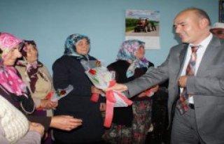 Köyde Dünya Çiftçi Kadınlar Günü Kutlandı