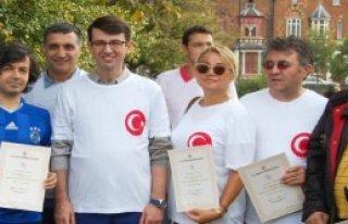 Londra'daki Türkler Sağlıklı Yaşam İçin Yürüdü