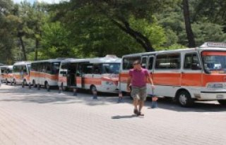 Marmaris'te Minibüs Şoförünün İlginç Eylemi