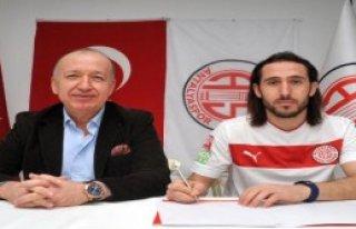 Medical Park Antalyaspor Köksal'la İmzaladı