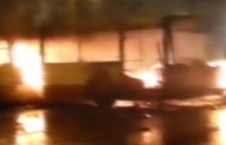Menemen'de Kobani Eyleminde Otobüs Yaktılar