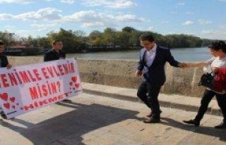 Meriç Köprüsü'nde Sürpriz Evlilik Teklifi
