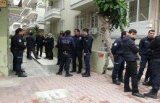 Çevik Kuvvet Polisi İntihar Etti